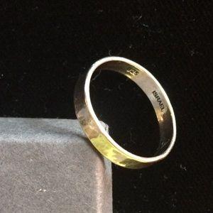 Silpada.925 Sterling Silver Ring.